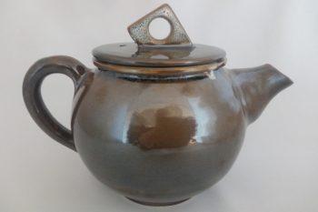 theiere marron et mouchetis blanc oterrefeu poterie palaiseau