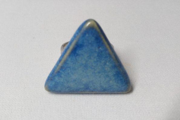 Bague triangle bleu céramique