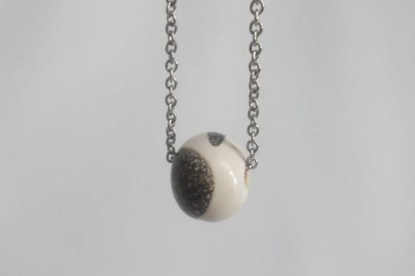 Collier perle ronde Blanche et brune