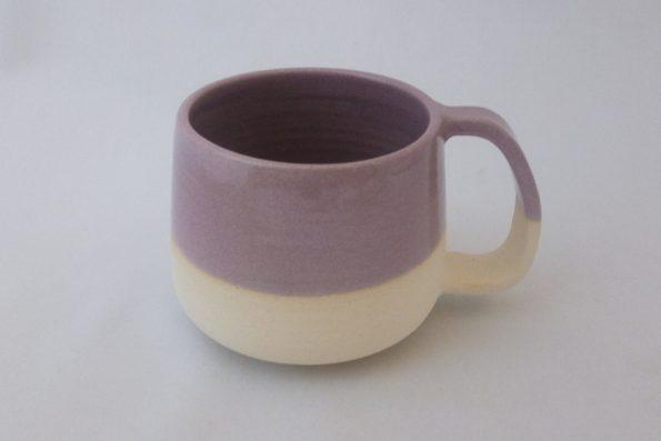 Mug rose et terre nue blanche en céramique