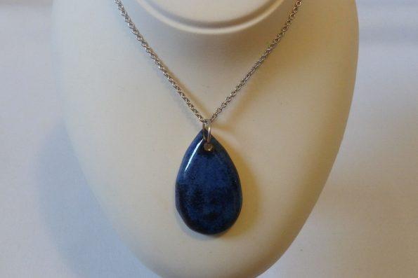 Collier diamant bleu nuit en céramique