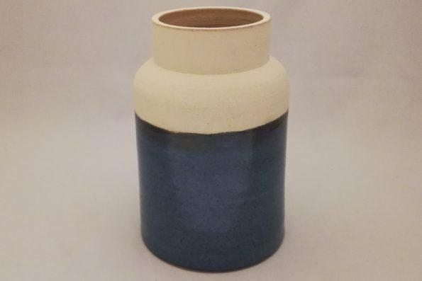 Vase pot à lait bleu brillant et blanc mat en céramique